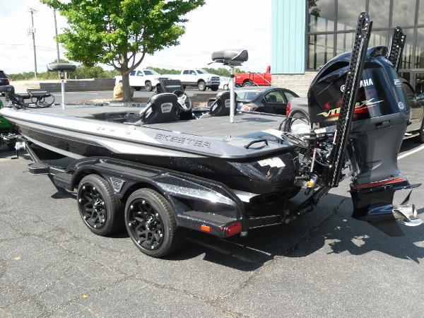 2021 Skeeter boat for sale, model of the boat is FXR20 Apex & Image # 8 of 33