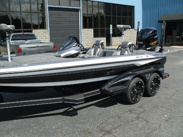 2021 Skeeter boat for sale, model of the boat is FXR20 Apex & Image # 10 of 33