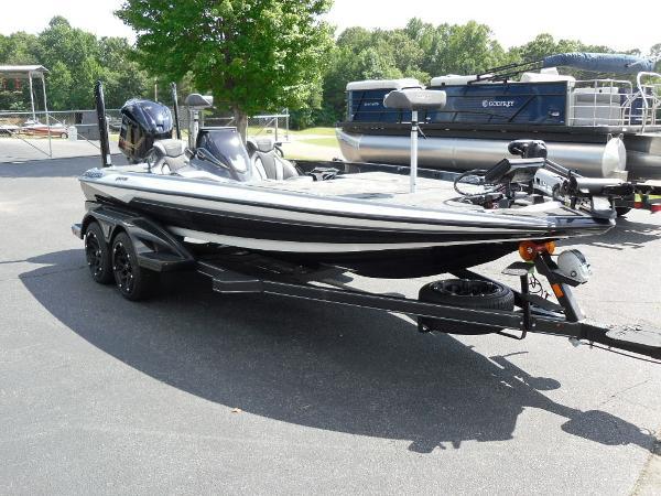 2021 Skeeter boat for sale, model of the boat is FXR20 Apex & Image # 12 of 33