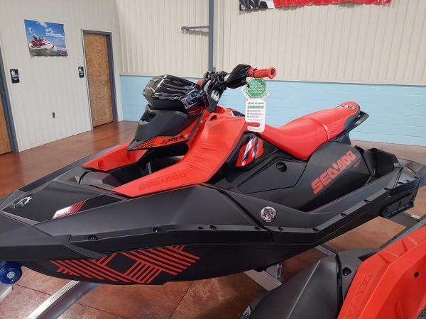 2021 Sea Doo PWC boat for sale, model of the boat is Spark® 3-up Rotax® 900 ACE™ IBR & Sound System & Image # 3 of 3