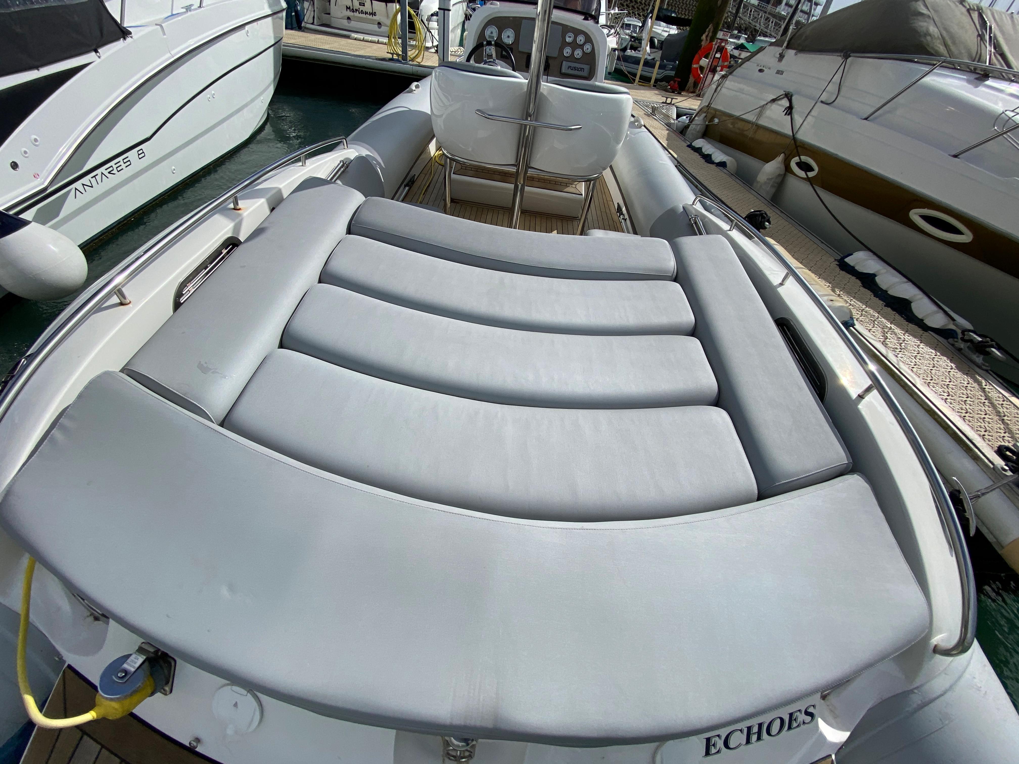 Hunton 904 Inboard RIB
