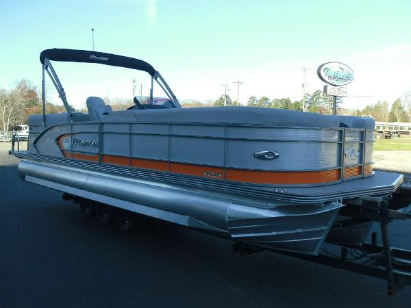 2021 Manitou boat for sale, model of the boat is RF 25 ENCORE SHP 373 & Image # 21 of 49