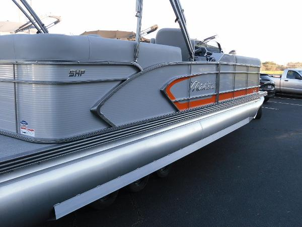 2021 Manitou boat for sale, model of the boat is RF 25 ENCORE SHP 373 & Image # 32 of 49