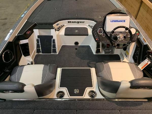 2021 Ranger Boats boat for sale, model of the boat is Z520C Ranger Cup Equipped & Image # 6 of 11