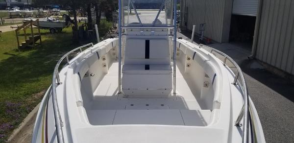 2000 Fountain boat for sale, model of the boat is 29 CC & Image # 2 of 15