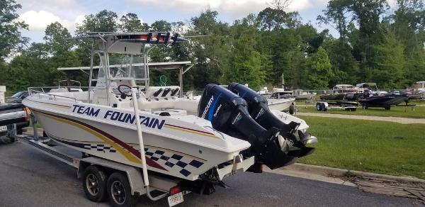 2000 Fountain boat for sale, model of the boat is 29 CC & Image # 9 of 15