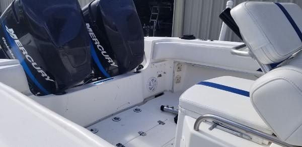 2000 Fountain boat for sale, model of the boat is 29 CC & Image # 12 of 15
