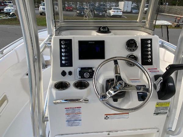 2021 Robalo boat for sale, model of the boat is R222 & Image # 5 of 10