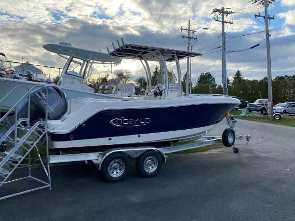 2021 Robalo boat for sale, model of the boat is R222 & Image # 1 of 10