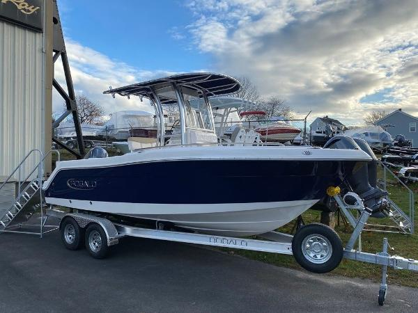 2021 Robalo boat for sale, model of the boat is R222 & Image # 2 of 10