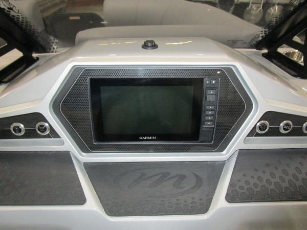 2021 Manitou boat for sale, model of the boat is RF 23 Oasis VP II & Image # 15 of 34