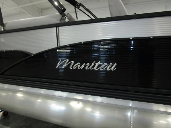 2021 Manitou boat for sale, model of the boat is RF 23 Oasis VP II & Image # 16 of 34