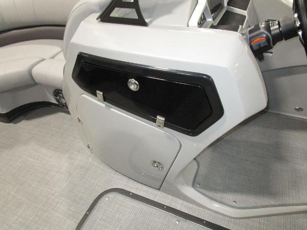 2021 Manitou boat for sale, model of the boat is RF 23 Oasis VP II & Image # 20 of 34