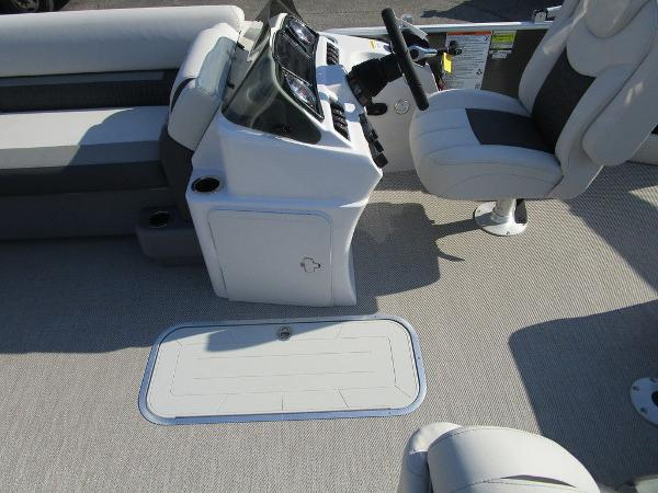 2021 Godfrey Pontoon boat for sale, model of the boat is SW 2286 SFL Sport Tube 27 in. & Image # 4 of 26