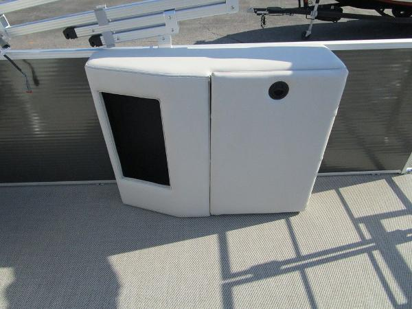 2021 Godfrey Pontoon boat for sale, model of the boat is SW 2286 SFL Sport Tube 27 in. & Image # 6 of 26