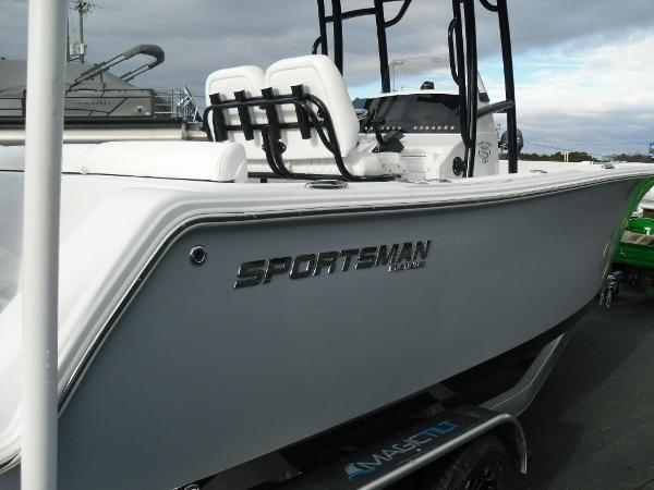 2021 Sportsman Boats boat for sale, model of the boat is Heritage 231 CC & Image # 12 of 44
