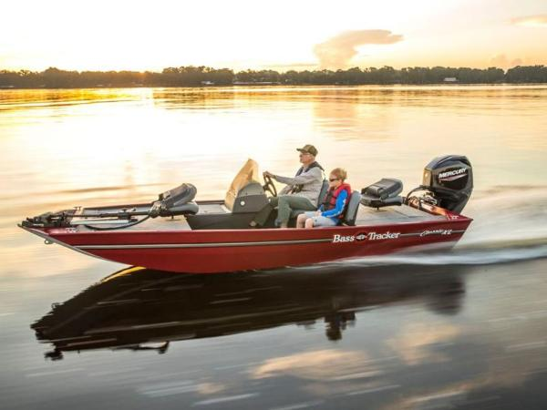 2021 Tracker Boats boat for sale, model of the boat is BASS TRACKER® Classic XL & Image # 7 of 10