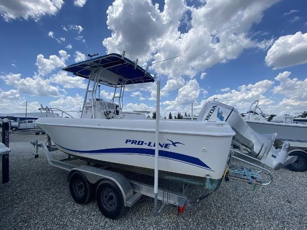 2004 Pro-Line boat for sale, model of the boat is 22 Sport & Image # 3 of 14