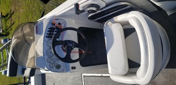 2015 Caravelle boat for sale, model of the boat is Razor 219 UU & Image # 4 of 11