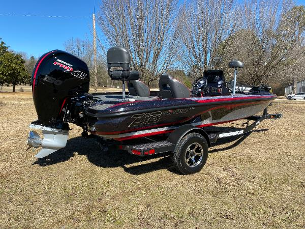 2021 Nitro boat for sale, model of the boat is Z18 Pro & Image # 3 of 24