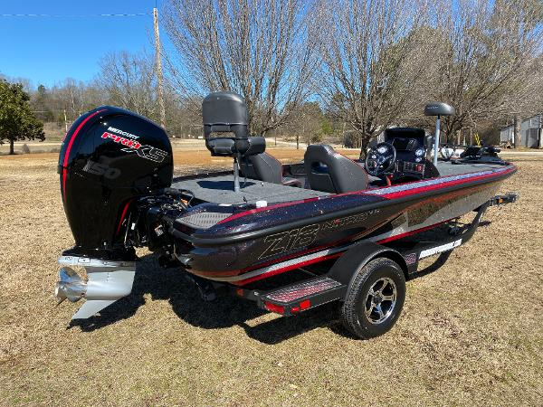 2021 Nitro boat for sale, model of the boat is Z18 Pro & Image # 4 of 24