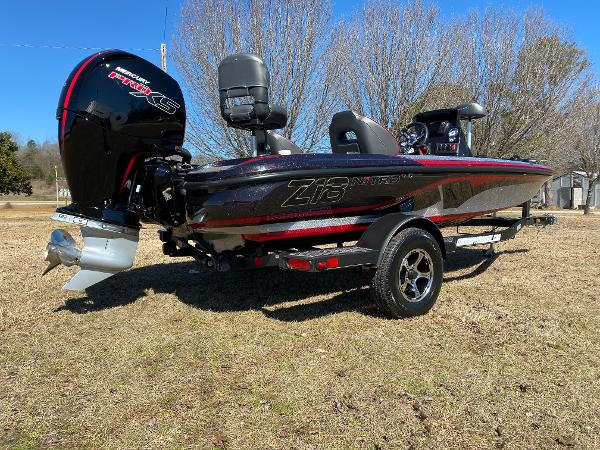 2021 Nitro boat for sale, model of the boat is Z18 Pro & Image # 5 of 24