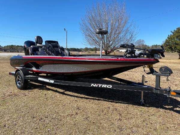 2021 Nitro boat for sale, model of the boat is Z18 Pro & Image # 1 of 24