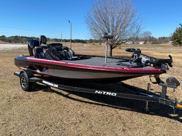 2021 Nitro boat for sale, model of the boat is Z18 Pro & Image # 6 of 24