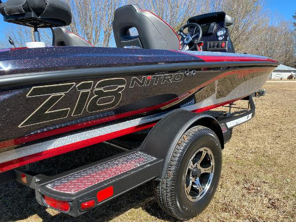 2021 Nitro boat for sale, model of the boat is Z18 Pro & Image # 7 of 24