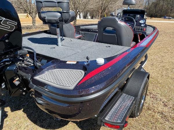 2021 Nitro boat for sale, model of the boat is Z18 Pro & Image # 12 of 24