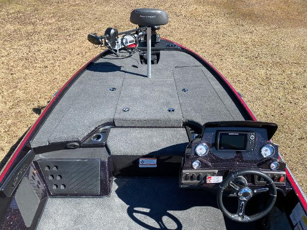 2021 Nitro boat for sale, model of the boat is Z18 Pro & Image # 13 of 24