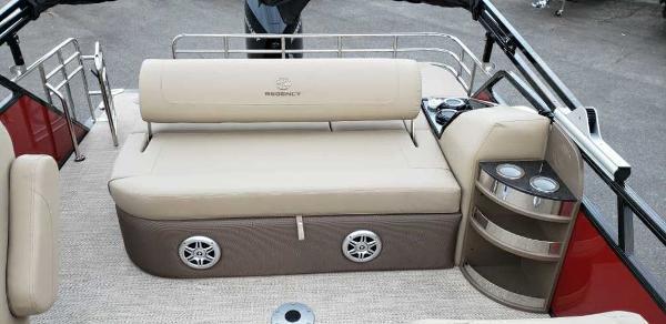2021 Regency boat for sale, model of the boat is 230 LE3 Sport & Image # 3 of 24