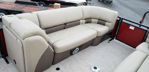 2021 Regency boat for sale, model of the boat is 230 LE3 Sport & Image # 4 of 24