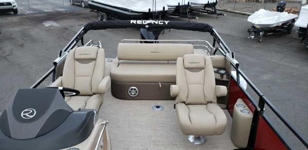 2021 Regency boat for sale, model of the boat is 230 LE3 Sport & Image # 11 of 24