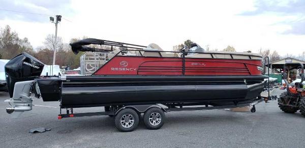 2021 Regency boat for sale, model of the boat is 230 LE3 Sport & Image # 13 of 24