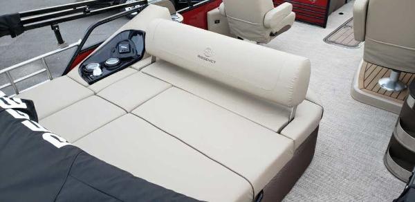 2021 Regency boat for sale, model of the boat is 230 LE3 Sport & Image # 16 of 24