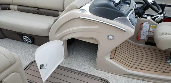 2021 Regency boat for sale, model of the boat is 230 LE3 Sport & Image # 21 of 24
