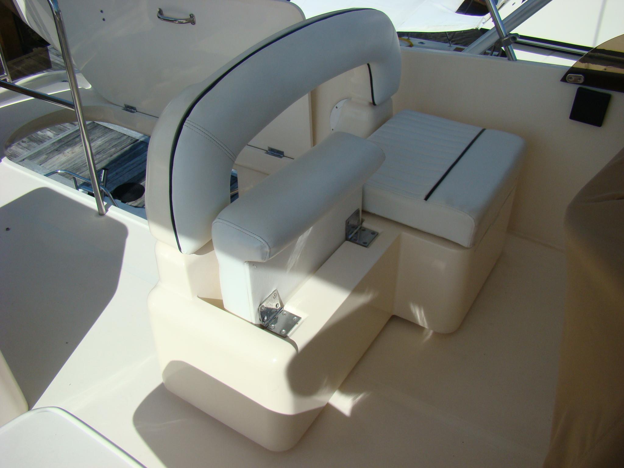 Viking Princess V50 - Captain Seating