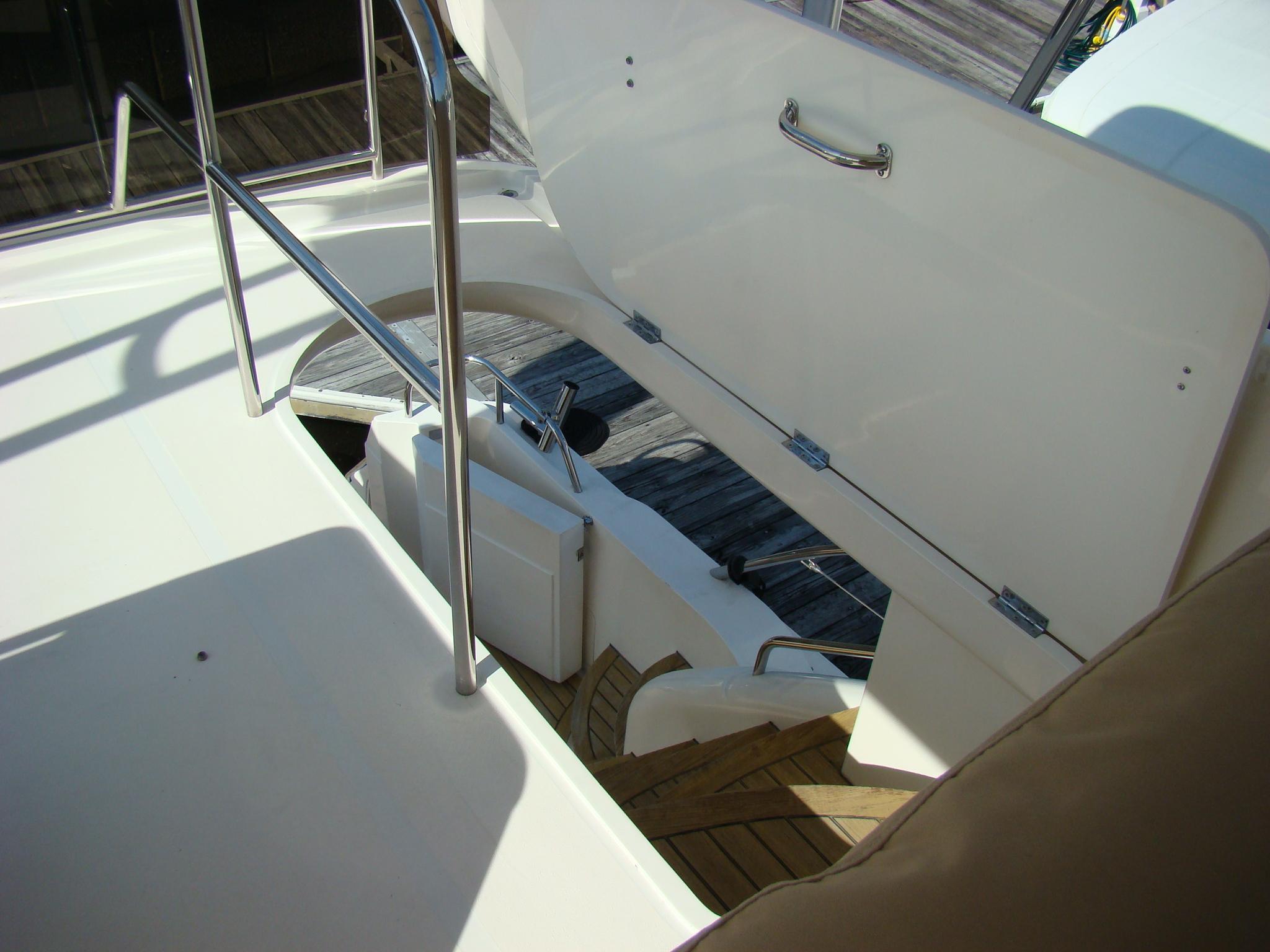 Viking Princess V50 - Hatch to Cockpit