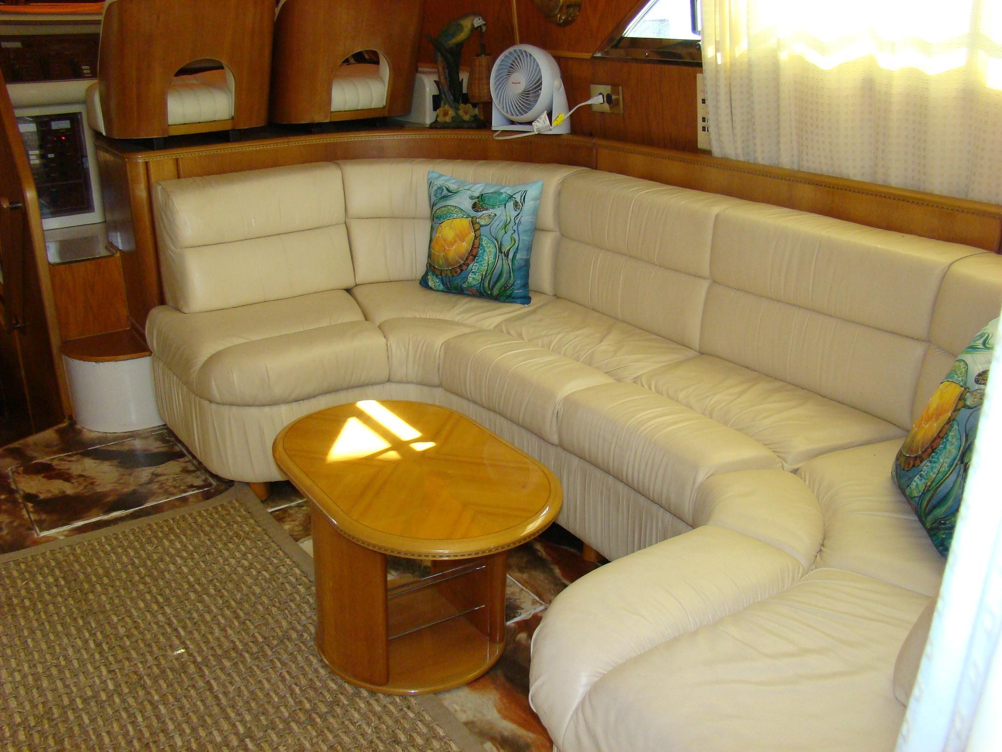 Viking Princess V50 - Salon Seating
