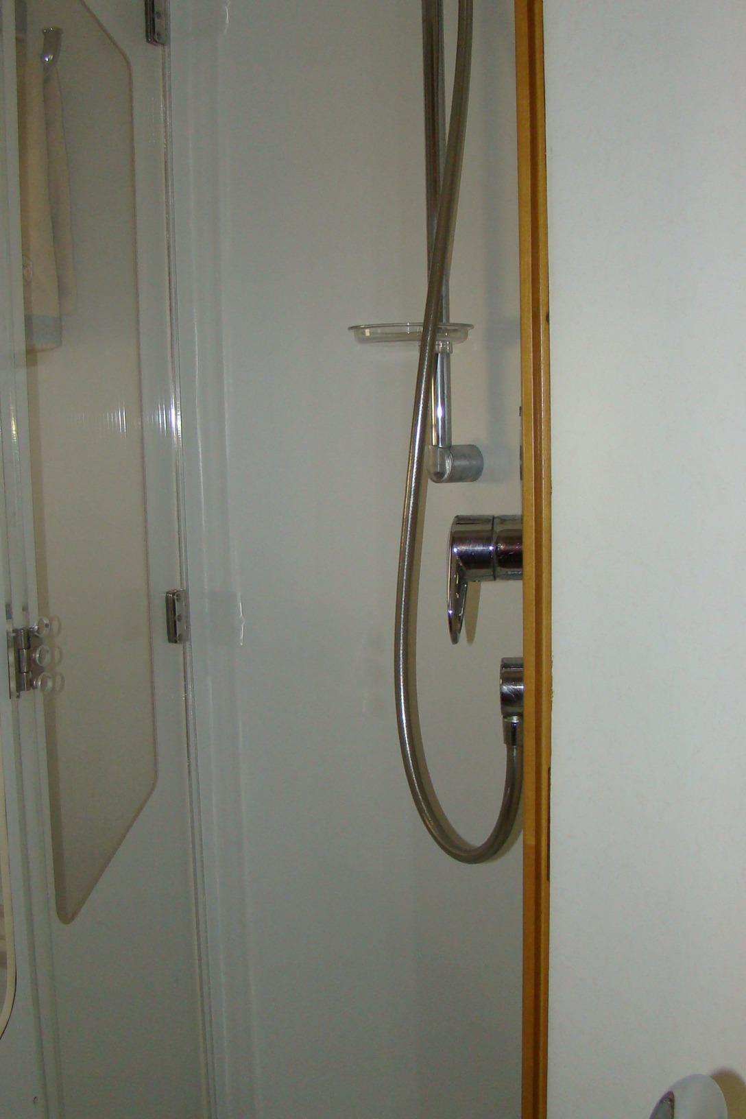 Viking Princess V50 - Guest Shower