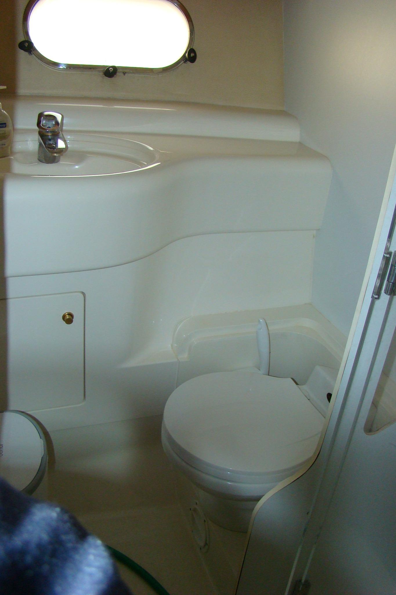 Viking Princess V50 - Guest Sink