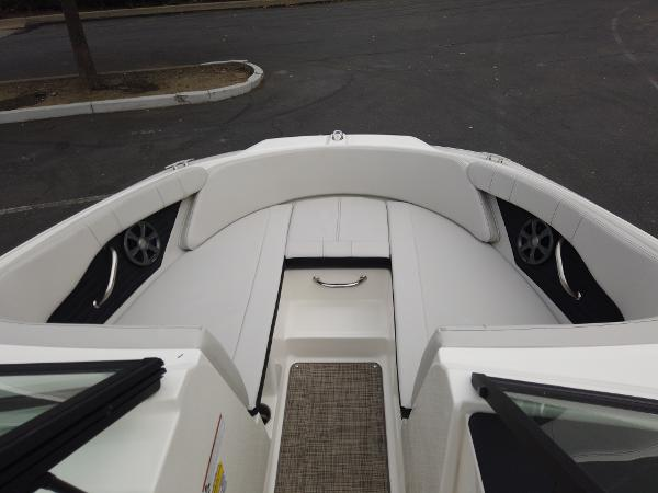 2021 Sea Ray boat for sale, model of the boat is SPX 190 OB & Image # 2 of 9