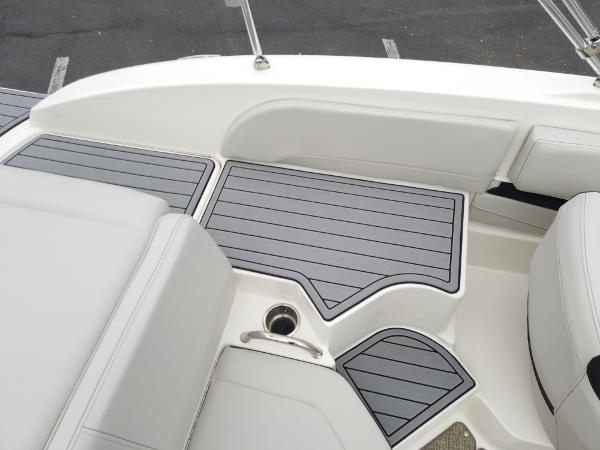 2021 Sea Ray boat for sale, model of the boat is SPX 190 OB & Image # 5 of 9