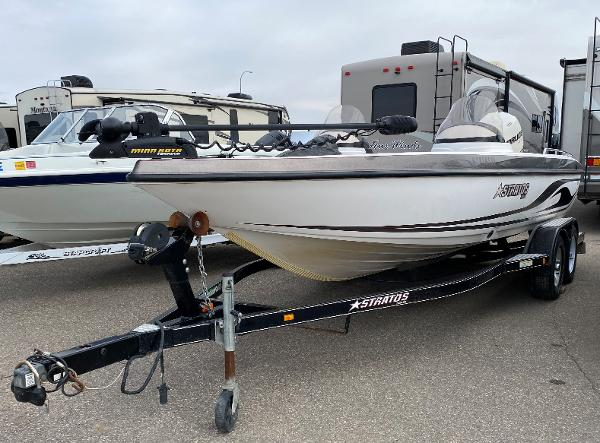 2006 Stratos boat for sale, model of the boat is 21MSX & Image # 1 of 12