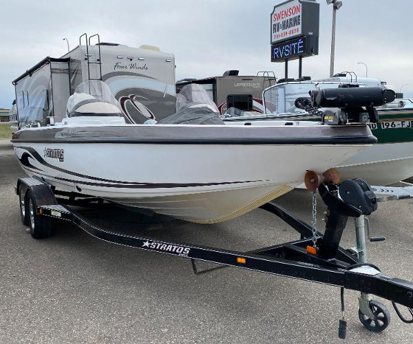 2006 Stratos boat for sale, model of the boat is 21MSX & Image # 2 of 12