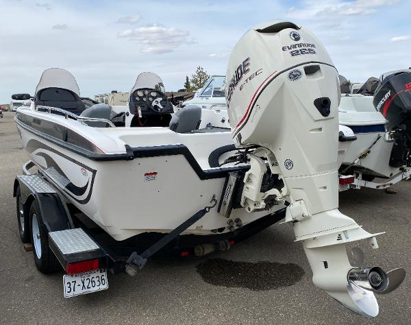 2006 Stratos boat for sale, model of the boat is 21MSX & Image # 4 of 12