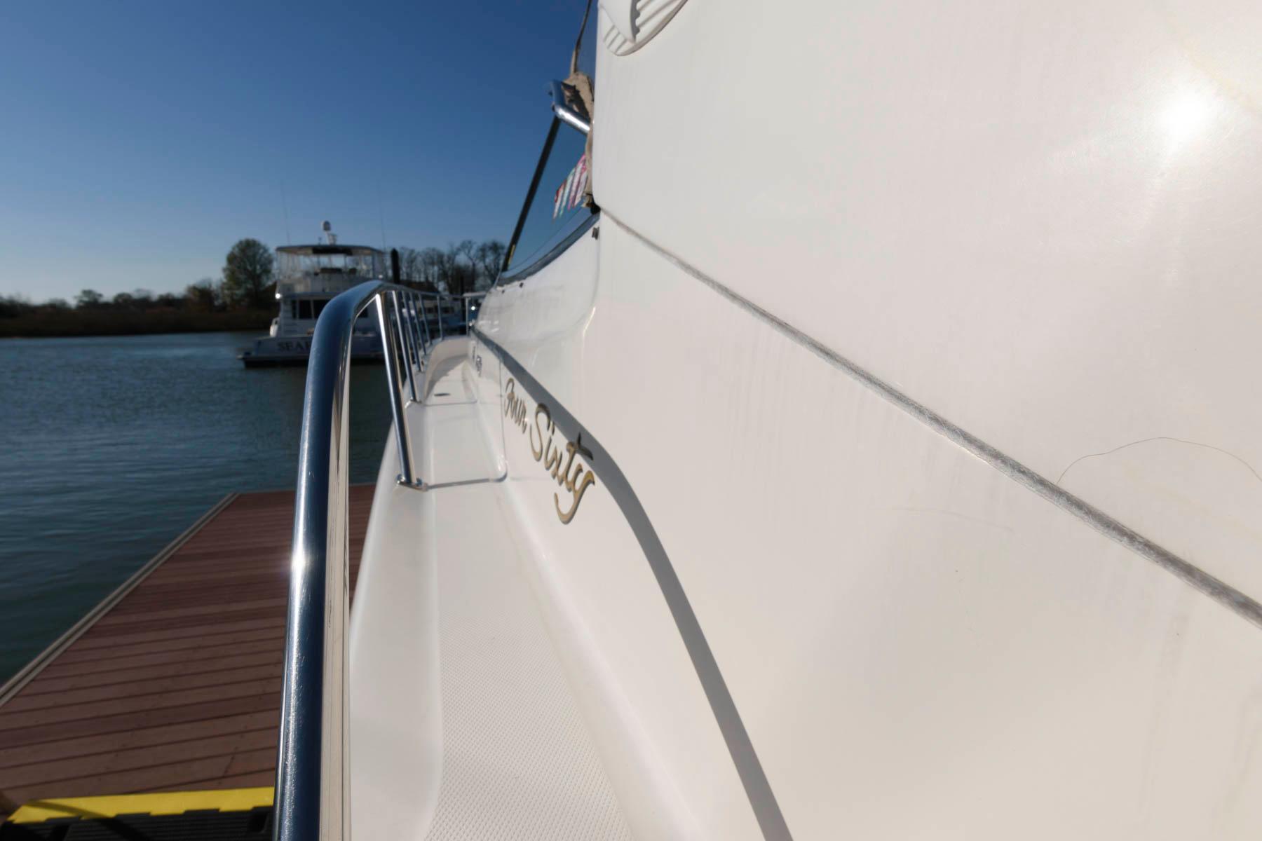 M 5845 KB Knot 10 Yacht Sales