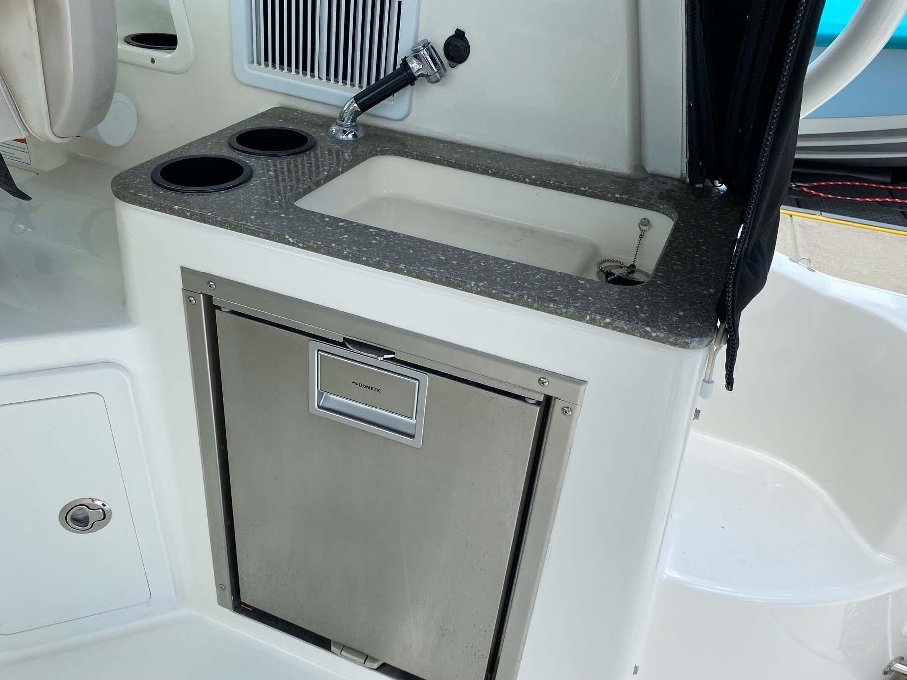 Wet Bar with Refrigerator