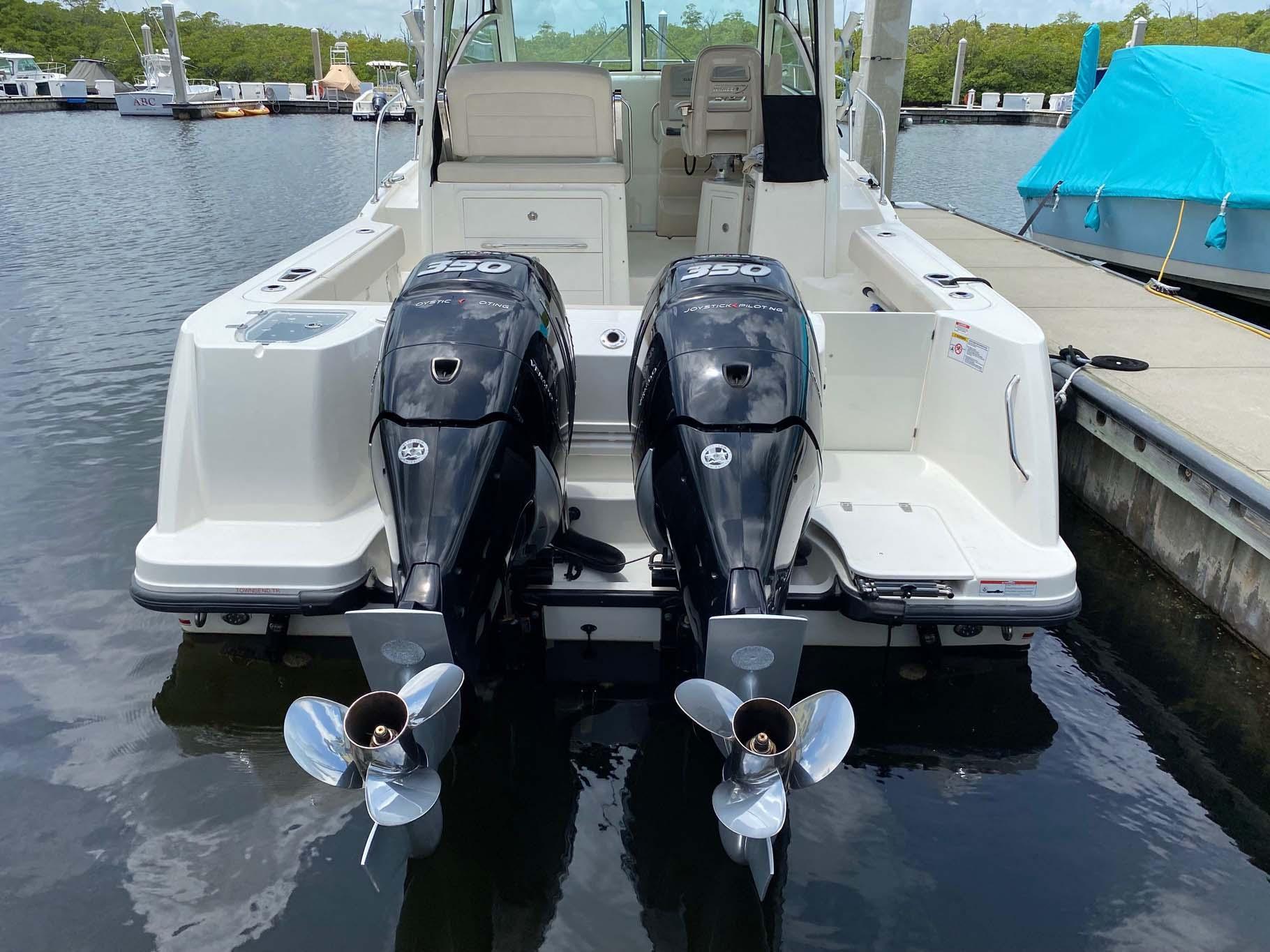 Twin Mercury 350 Verados